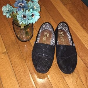 Black sparkly toms size 8